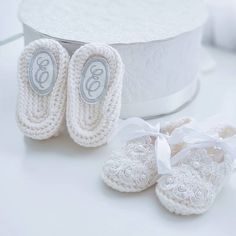 personalized baby booties, PERSONALIZED BABY GIFT Booties ivory for baptism, lace shoes, christening baby shoes, booties knit, booties baby