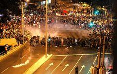 Confusão durante o protesto antes da final no Maracanã. 30/06/2013.