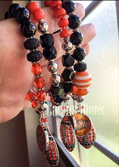 Yay...Oklahoma Pokes Love with these fab bracelets🏉🍊 Available now at Cactus Blues Boutique! Hit us up on Instagram and Facebook💘💘