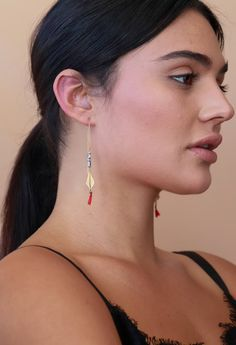 Threaders, Threader Earrings, Gold Statement Jewelry, Gold Tassel Earrings, Gold Chain Earrings, Gold Threaders, Long Gold Chain Earrings These are unique long threader earrings, with multiple elements combining to create the rich luxurious design. The thread threads through your ear, with silver