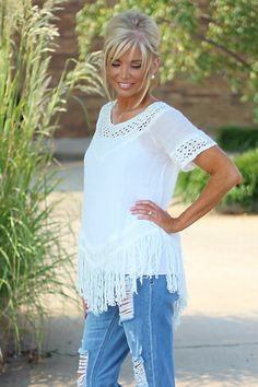 Our Crochet & Fringe Boho Top is made of Ramie and Cotton. This top is available in sizes X-Small/Small, and Medium/Large. Grey Hair Styles For Women, Medium Hair Styles, Short Hair Styles, Blonde Hair With Bangs, Blonde Hair Looks, Corte Y Color, Shoulder Length Hair, Crochet Hair Styles, Layered Hair