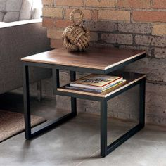 Give Your Rooms Some Spark With These Easy Vintage Industrial Furniture and Design Tips Do you love vintage industrial design and wish that you could turn your home-decorating visions into gorgeous reality? Decor, Coffee Table, Industrial Furniture, Vintage Industrial Furniture, Industrial Decor, Home Decor, Welded Furniture, Furniture, Metal Furniture