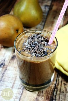 Cacao and Pear Protein Smoothie...made with only 4 clean, real food iingredients and it's raw, vegan, gluten-free, dairy-free, gluten-free, paleo-friendly and contains no refined sugar | The Healthy Family and Home
