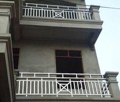 Xem 40 mẫu lan can ban công inox mặt tiền đẹp, sang trọng, hiện đại Steel Stairs Design, Steel Gate Design, Door Gate Design, House Gate Design, House Balcony Design, Balcony Grill Design, Balcony Railing Design, Front Wall Design, Glass Barn Doors
