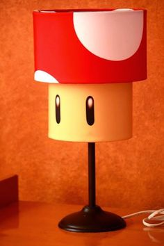 ideacentrífuga: Decoramos tu vida Lámpara de pie... Honguito de Mario Bross