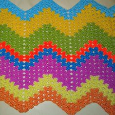 Un proyecto más #crocheting #crochetaddict #crochet #crochetblanket by radhika.ramana