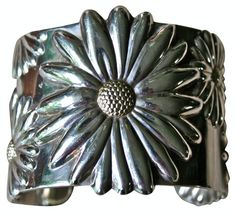 LAURIE DAVIS' PICK - Sterling Silver Daisy Cuff Tiffany-Style - $425.