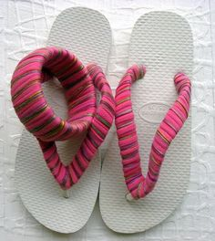 Naturalmente Arianny...: Sandalias decoradas con tela.