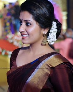 Sport Photoshoot Women Ideas For 2019 Beautiful Girl Indian, Most Beautiful Indian Actress, Beautiful Saree, Beauty Full Girl, Cute Beauty, Beauty Women, Beautiful Bollywood Actress, Beautiful Actresses, Indian Goddess
