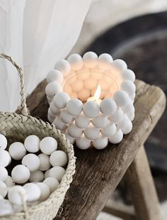 This is pretty and you can DIY! Diy Clay, Clay Crafts, Home Crafts, Diy And Crafts, Plaster Crafts, Wood Bead Garland, Beaded Garland, Theme Noel, Clay Projects