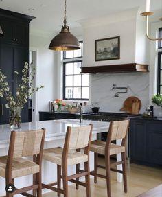 Kitchen Redo, Home Decor Kitchen, Kitchen Interior, New Kitchen, Kitchen Remodel, Kitchen Design, Kitchen Ideas, Beautiful Kitchens, Cool Kitchens