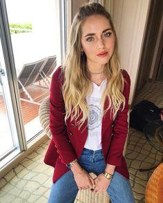 "143.7 mil curtidas, 561 comentários - Chiara Ferragni (@chiaraferragni) no Instagram: ""It keeps raining here  #TheBlondeSaladGoesToJapan"""