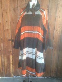 Vtg 60s 70s Large Scale Plaid Wool Cape Mod Sherlock Holmes Medium Coat OS…