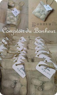 Pochons pour dragées personnalisés en gaze de lin / mariage / baptême boutiquebonheur.canalblog.com