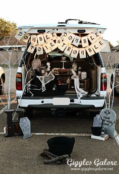 Trunk or Treat Double Double Toil and Trouble  Decorating Tips for #halloween