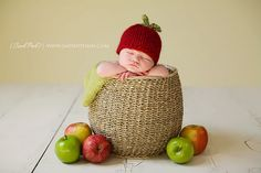 <3 Sweet apple of my eye newborn photoshoot idea. I love the hat. <3  {Newborn Photography} {Baby Poses} {Props} {Prop Ideas} {Birth Announcement Idea}