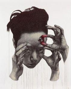 威嚇するポートレイト。不気味でシュールな人物を描いたドローイング作品