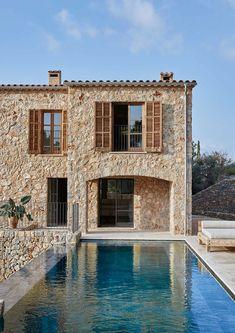 Villa Design, House Design, Design Design, Stone Facade, Mediterranean Homes, Stone Houses, House Goals, Exterior Design, Future House