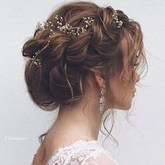 10 Inspirational Boho Bride Hairstyles Ideas To Stand - Madam .- 10 inspirierende Boho Braut Frisuren Ideen zu stehen – Madame Friisuren 10 Inspirational Boho Bride Hairstyles Ideas To Stand – Madame Hairstyles Madame hairstyles - Bridal Hair Updo, Wedding Hair And Makeup, Hair Wedding, Hairstyle Wedding, Wedding Rings, Wedding Dresses, Romantic Bridal Hair, Romantic Updo, Curly Wedding Updo