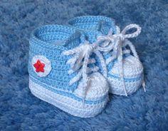 Lindo Sapatinho de crochê estilo All Star! <br> <br>Feito com fio 100% algodão! <br> <br>TAMANHOS DISPONÍVEIS <br>14 - RN - 8cm <br>15 - 1 a 3 Meses - 9cm <br>16 - 3 a 6 Meses - 10cm