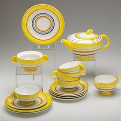 EVA ZEISEL / SCHRAMBERG 16-pc. faience tea set