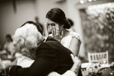 """Bride´s Grandma - Ni yo ni nadie en las últimas décadas hemos inventado la importancia del segundo plano, de las diferentes capas de una fotografía, ni el enfoque selectivo. Todo está inventado.  Lo único que si he sido capaz de hacer es mantener la cordura y aplicar el sentido común a la fotografía de bodas: contar una historia, con actores principales y secundarios; sin los cuales, jamás habría una narrativa.   <a href=""""http://www.facebook.com/orero.fotografia"""">Facebook</a> I <a…"""