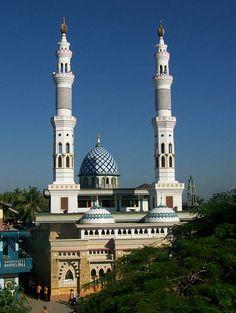 Masjid Al-Kautsar Mataram, Nusa Tenggara Barat, Indonesia