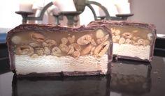 Slik lager du en gigantisk Snickers-sjokolade!