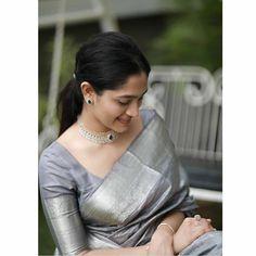 Saree Blouse Patterns, Saree Blouse Designs, Wedding Saree Collection, Saree Trends, Saree Models, Stylish Sarees, Dress Indian Style, Saree Look, Elegant Saree
