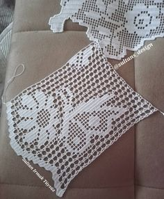 Crochet Lace Edging, Filet Crochet, Crochet Doilies, Crochet Stitches, Baby Knitting Patterns, Crochet Patterns, Diy Crafts Crochet, Flower Embroidery Designs, Cross Stitch Bookmarks