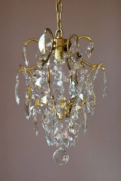Z lite 51046 1 light mini chandelier petite chandeliers collection z lite 51046 1 light mini chandelier petite chandeliers collection crystal finish products mini chandelier and crystals aloadofball Image collections