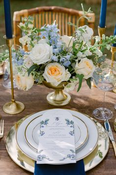 Micro wedding on a blueberry farm in New Orleans, intimate seated dinner for two with English garden style flowers Bamboo Garden, Lush Garden, Floral Wedding, Wedding Flowers, Modern Vintage Decor, Blueberry Farm, Blue And White China, Garden Chairs, Garden Styles