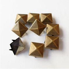 100 Rebites de Pirâmide Bronze Tachinhas Botas Bolsas Couro 20mm