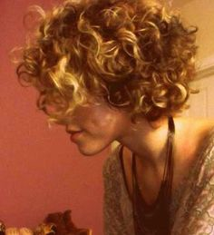 13-Short Curly Haircuts for Women