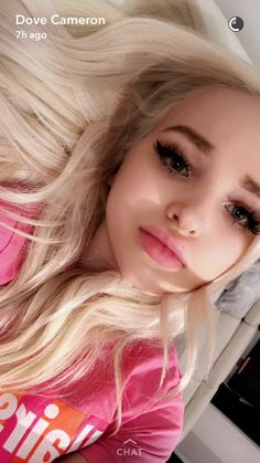 ♡ this girl puts a smile on my face literally every day I love her so much ♡ Dove Cameron Lips, Dove Cameron Style, Peyton List, Dov Cameron, Hairspray Live, Thomas Doherty, Loren Gray, Cameron Boyce, Beautiful Actresses