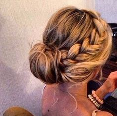 Loose Braid Hairstyles – Party Low Bun Wedding Hairstyles Wedding Bun Hairstyles - New Site Loose Braid Hairstyles, Bridal Hairstyles With Braids, Prom Hairstyles For Long Hair, Wedding Bun Hairstyles, Prom Hair Updo, Loose Braids, Homecoming Hairstyles, Fancy Hairstyles, Hairstyles 2018