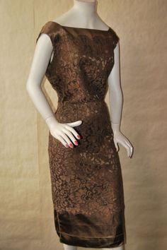 Vintage-1950-S-SUPERBE-marron-dentelle-satin-Hepburn-Wiggle-Crayon-robe-de-cocktail-UK16