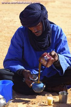 Tuareg Clothing | Arab Tea Ceremony, Tuareg Man Preparing The Traditional Sweet Mint Tea ...