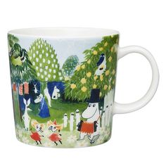 Moomin art in an everyday experience A collaboration between Arabia and Tampere Art Museum has produced Tove Jansson's art in. Moomin Shop, Moomin Mugs, Tove Jansson, Troll, Moomin Valley, Nordic Design, Marimekko, Helsinki, Wonderful Images
