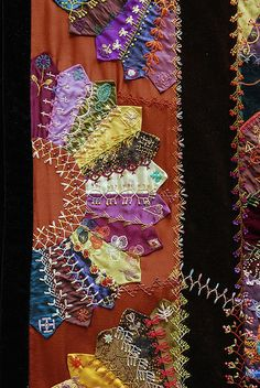 Quilt I ❤ crazy quilting . Crazy Quilt by Robyne Melia is Bobby LaI ❤ crazy quilting . Crazy Quilt by Robyne Melia is Bobby La Crazy Quilt Stitches, Crazy Quilt Blocks, Crazy Quilting, Dresden Quilt, Quilting Projects, Quilting Designs, Quilting Ideas, Embroidery Stitches, Hand Embroidery