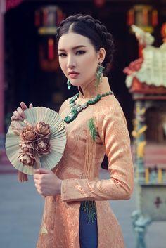 Hoa khôi Du lịch đẹp mơ màng với áo dài đậm chất Huế, thời trang, áo dài, hoa…