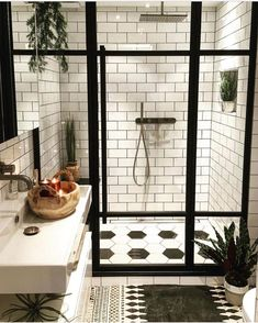 75 Most Popular White Bathroom Design Ideas for 2018 - Di Home Design Style At Home, Casa Top, Design Case, Bathroom Interior, Bathroom Remodeling, Remodel Bathroom, Remodeling Ideas, Bathroom Makeovers, Shower Remodel