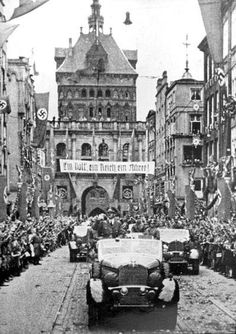 Danzig, Poland, Hitler Entering as the Victor  Photographs  Film and Photo Archive, Yad Vashem  All rights reserved