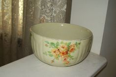Hall China Co 1 Quart Mixing Bowl Yellow Rose Jewel Tea Dishes, Country Kitchen Accessories, Hall Pottery, Vintage Yellow, Yellow Roses, Autumn Leaves, 1940s, Serving Bowls, Fire