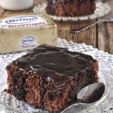 Σοκολατένιο κέικ βραστό ή κατσαρόλας Chocolate Fridge Cake, Dessert Recipes, Desserts, Cakes, Food, Tailgate Desserts, Deserts, Cake Makers, Kuchen