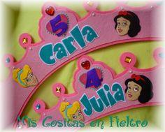 CORONA DE CUMPLEAÑOS PRINCESAS PARA JULIA Y CARLA