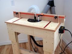 Router Table Plan - build this easy to make router table with large table surface and effective dust collection.