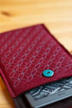 (idée de protection pour notre tablette graphique) Sashiko Kindle Case by anoisette on Etsy, $20.00