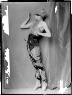 Anita Berber, by Mme d'Ora 1921  Something about this image is attractive