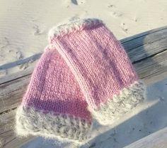 gestrickte Merino Pulswärmer rosa Stulpen Alpaka wrist warmers von Nostalgie Gretel häkelt und schenkt auf DaWanda.com